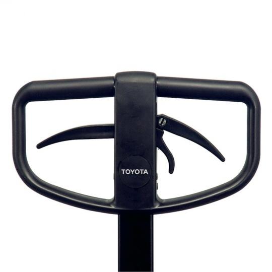 Гидравлическая тележка TOYOTA с быстрым подъемом вил и ручным тормозом