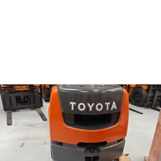 Автопогрузчик Toyota 02-8FGK30