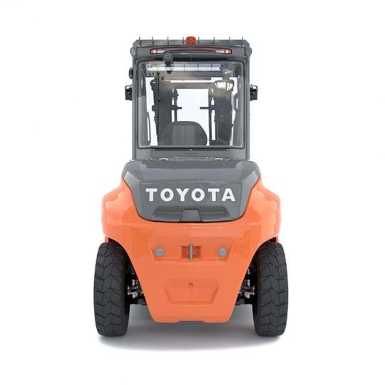 4-опорный электропогрузчик Toyota Traigo 80 8 тонн, центр тяжести груза 900 мм