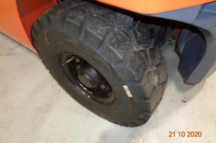 Автопогрузчик Toyota 8FG20
